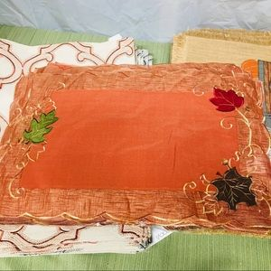 (8) Thanksgiving placemats 2 sets of 4 placemats